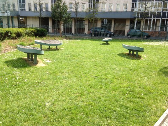 Noisy-le-Grand, Frankrike: Espace vert et sièges