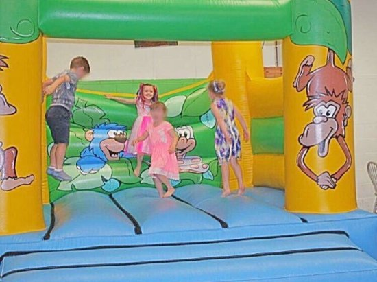 Uckfield, UK: Barney's Playbarn