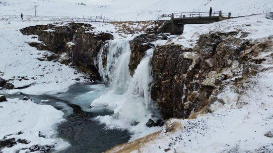 Grundarfjorour, IJsland: wodospad Kirkjufellsfoss