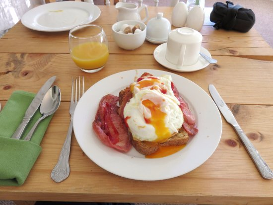 Orles Barn Hotel: Cooked Breakfast at Orles Barn - Ross on Wye (26/Apr/17).