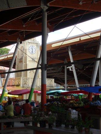 Basse-Terre, Guadeloupe: Et son horloge
