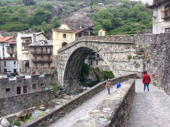 Pont-Saint-Martin, Italia: Il ponte