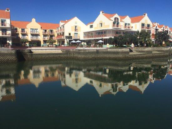 Gulf Harbour Lodge: Hotelli ja ravintoloita