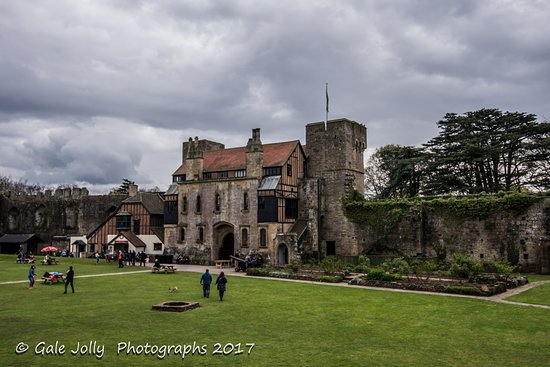 Caldicot, UK: Inside the castle grounds, lots to explore.