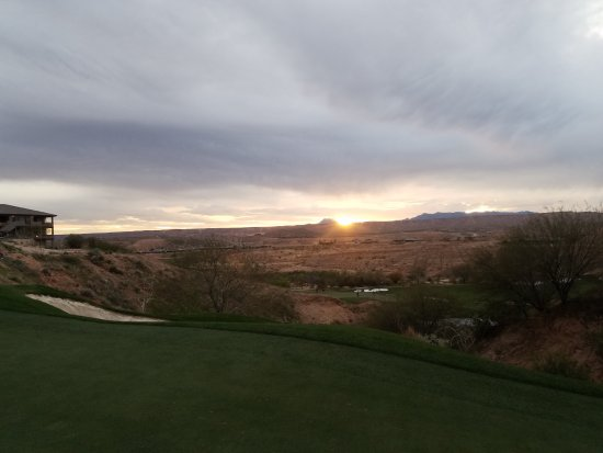 Wolf Creek Golf Club: sun set