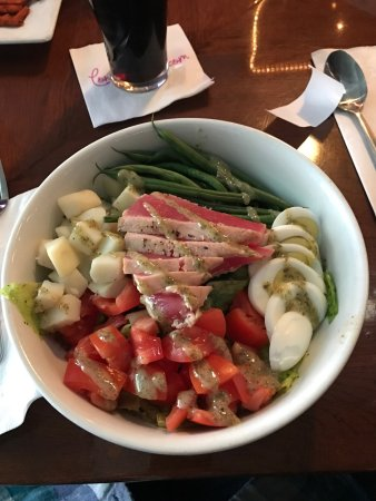 Conshohocken, Pennsylvanie : Little late on my post but the return of the beloved Tuna Nicoise Salad 😍#thankyou