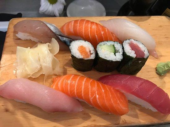 Le Petit Japonais / Allo Sushi, Paris - Le Marais - Restaurant ...
