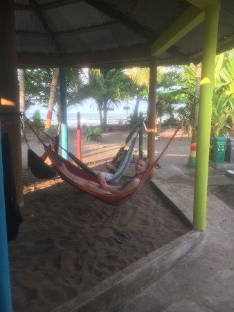 Cabinas El Icaco Tortuguero: Pal aan het strand
