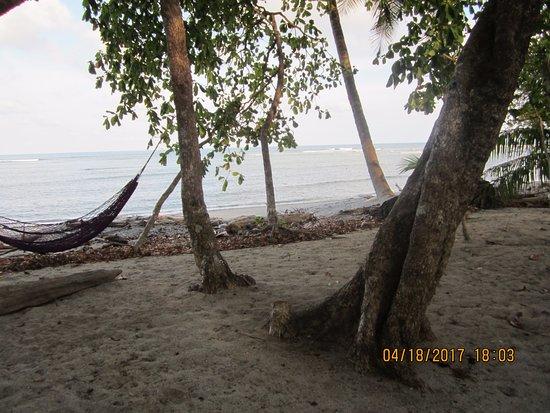 Cabuya, Kosta Rika: Hammocks at the beach