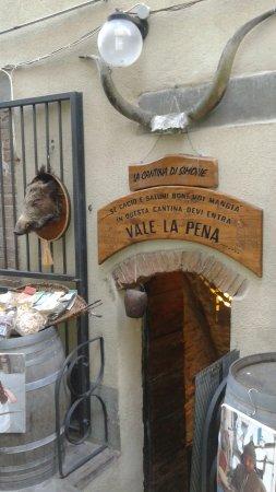 Scansano, Italia: L'entrata all'eden..