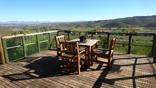 Le Petit Karoo Ranch: View from the balcony outside the family rooms