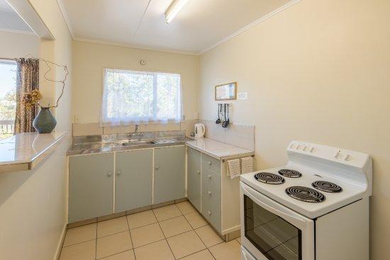 Interior - Picture of Cosy Cottage Thermal Holiday Park, Rotorua - Tripadvisor
