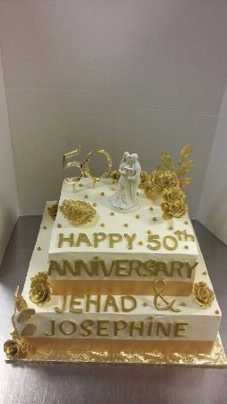 Cake Art Duluth Ga : Anniversary cake - Picture of Art s Bakery & Cafe, Duluth ...