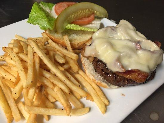 Morristown, NJ: Bacon Cheeseburger