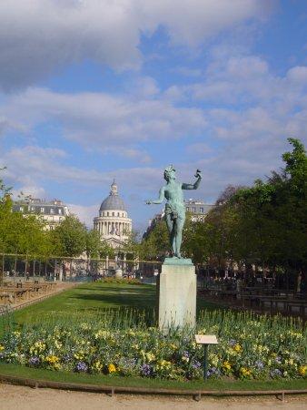 luxembourg palace vue sur le panthon depuis le jardin du luxembourg - Le Jardin Du Luxembourg