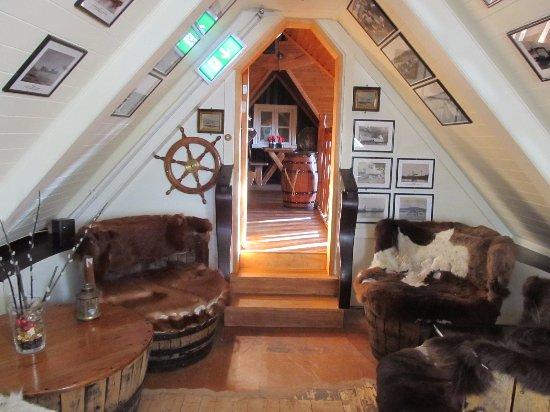 Хафнарфьордур, Исландия: one of the restaurant rooms upstairs