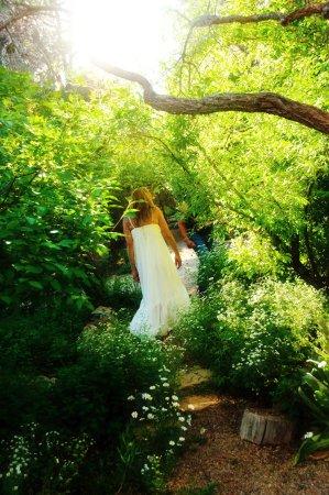 Mancos, CO: Bride walking to wedding