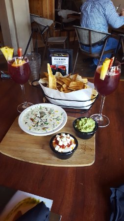 Katy, TX: Sangrias and snacks