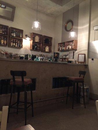 Bancone bar - Picture of La Ciambella Bar a Vin con Cucina ...