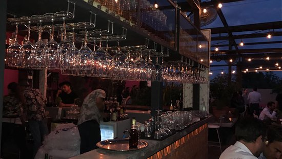 San Pedro Garza Garcia, Mexico: bar at night