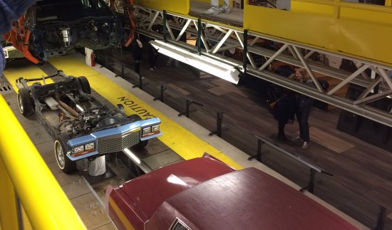 Detroit Historical Museum: The car drop was a very cool feature of the museum and how cars roll through an assembly line!