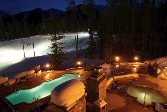 Fernie, Canada: Right on the Slopes - Outdoor Heated Pool & Hot Tubs