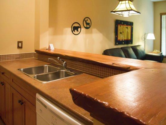 Fernie, Canada: Full In Suite Kitchen