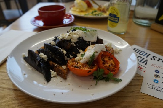 Treorchy, UK: poached eggs, mushrooms and feta