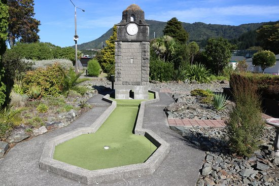 Picton - Kiwi Mini Golf 2