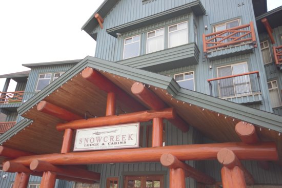 Fernie, Kanada: Entrance to Snow Creek Lodge