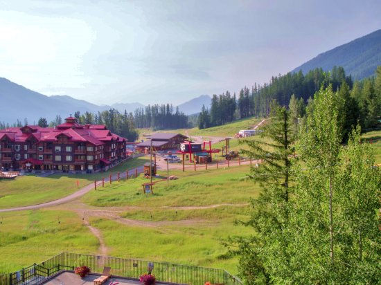 Fernie, Kanada: Balcony 'Slopeside' View in Summer