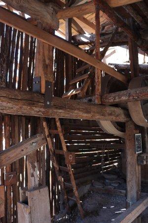 Hanksville, UT: The Wolverton Mill - inner workings