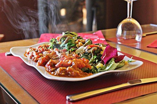 Montaigu-de-Quercy, France: salade marocaine