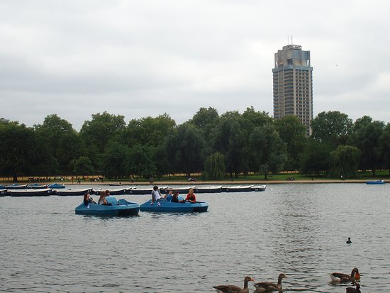 ‪Serpentine Boating Lake‬