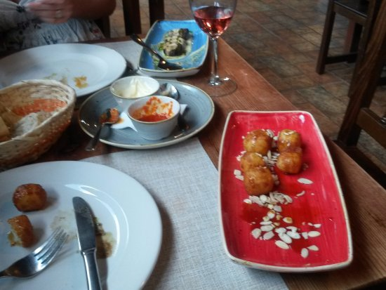 Villaverde, Spain: Fried cheese with palm honey.