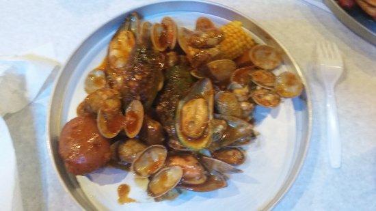 ปาล์มเบย์, ฟลอริด้า: $11 combo clams and mussels with cajun mild sauce