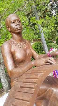 Tryon, NC: Nina Simone plays the bronze keys at the Plaza.