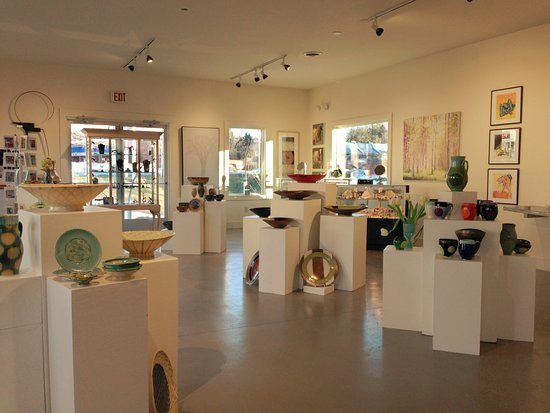 Great Barrington, MA: Another view of the gallery showing fine art and contemporary craft