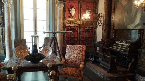 Vizcaya Museum and Gardens: 20170420_124933_large.jpg