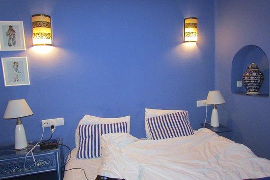Dar Zambra: cada habitación tiene diferentes colores