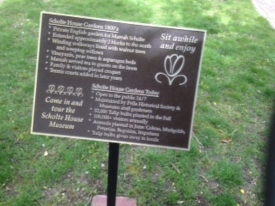Pella, IA: Info about the gardens