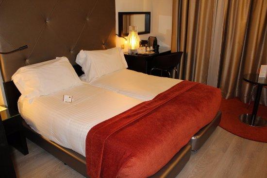 Beds photo de hotel santa justa lisbonne tripadvisor for Design hotel by justa