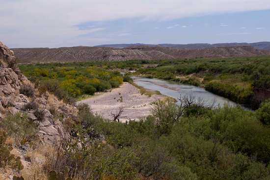 Boquillas Canyon: The Rio Grande from the top of the trail