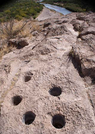 Boquillas Canyon: Holes in the rock from grinding grain by Native Americans