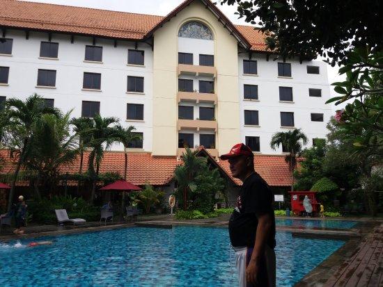 Minta Kamar Yg Menghadap Kolam Renang Picture Of Hotel Santika