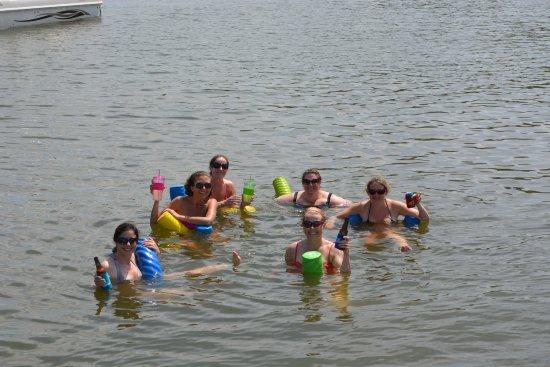 Sunrise Beach, Missouri: Fun in the sun, coving out.