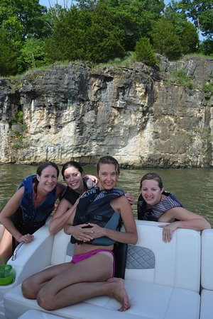 Sunrise Beach, MO: Survived cliff jumping