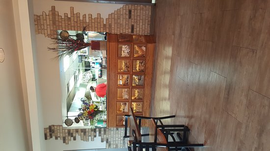 Owensboro, KY: Niko's food and place