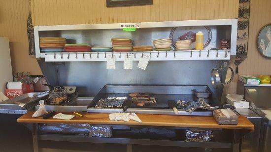 แครีวิลล์, เทนเนสซี: The grill