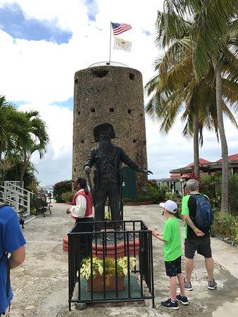 Blackbeard's Castle: Blackbeard statue and watch tower